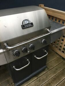 Broilmate BBQ with side burner