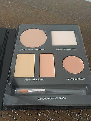 NEW (un-boxed) Laura Mercier Flawless Face Book Portable Complexion Palette SAND