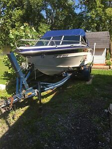 Bayliner open deck 18 pied