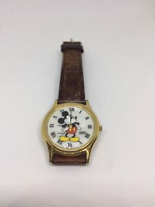 Vintage Lorus/Disney Mickey Mouse watch
