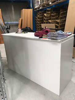 Laqured bar / desk