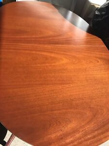GORGEOUS Dining Table-PRISTINE CONDITION