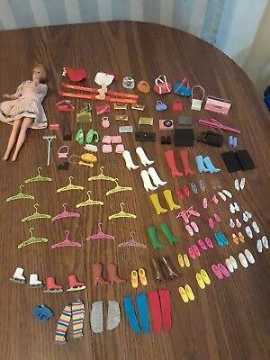 1960'S VINTAGE MATTEL BARBIE LOT CLOTHES PURSE HANGERS ACCESSORIES SHOES BOOTS  - 1960 Clothes