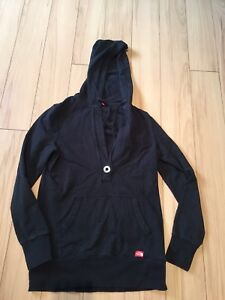 SZ MED NORTH FACE SWEATER-WORN TWICE