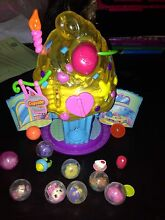 Girls toy SQUINKIES with PLAY HOUSE Lutwyche Brisbane North East Preview