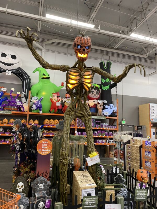 12-Ft Inferno Pumpkin Skeleton With Animated LCD LifeEyes! In Hands!!!