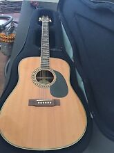 Acoustic guitar Cranbourne North Casey Area Preview