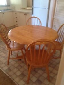 Table and 4 chairs Kyneton Macedon Ranges Preview