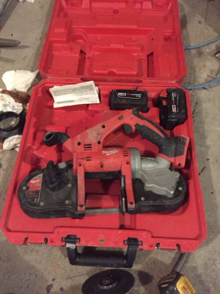 description milwaukee cordless band saw