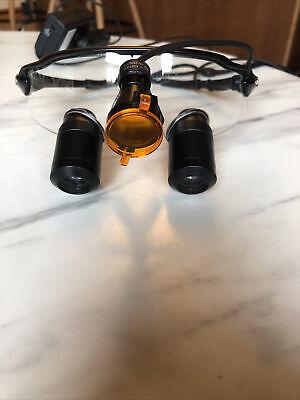 Surgitel 4.5x Magnification Ttl Loupes With Black Oakley Frames And Led Light