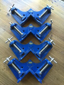 4x metal corner clamps  Deakin South Canberra Preview