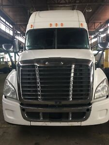 2012 Freightliner Cascadia Comes Certified