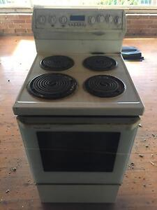 Fisher And Paykel - 4 burner electric Cooktop / Oven Carss Park Kogarah Area Preview