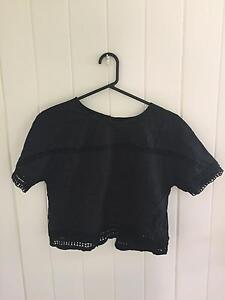 Beautiful Black Cotton tie back top South Golden Beach Byron Area Preview