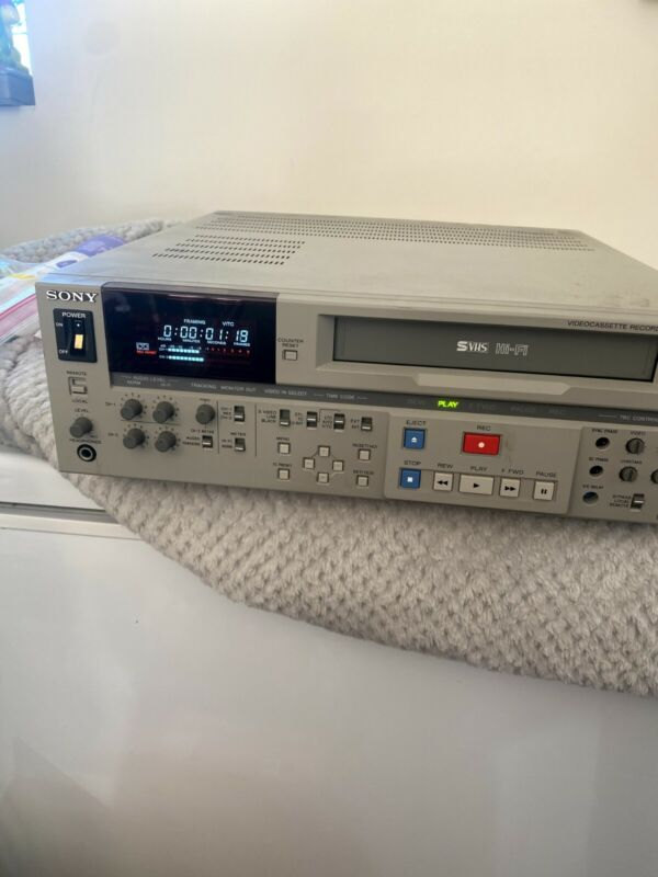 Sony SVO-5800 S-VHS Video Editing Deck as is untested