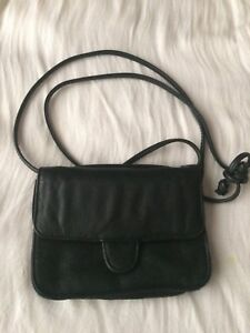 (2) Great small Leather Crossbody Bags