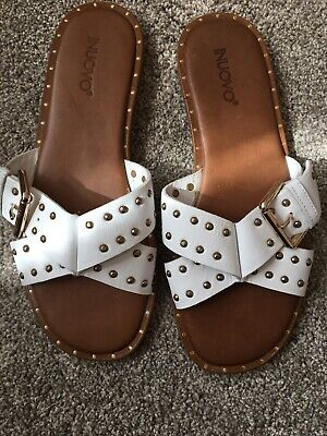 inuovo sandals, White Buckle And Stud Flats, 39 Size 6