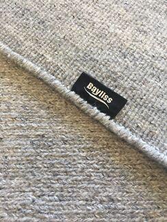 Beautiful Bayliss Wool Floor Rug Grey RRP $750