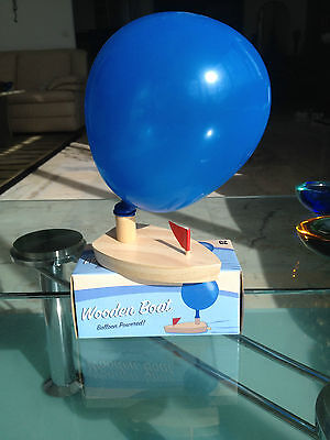 WOODEN BALLOON POWERED BOAT -- GREAT FUN IN THE BATH AND A BARGAIN. ONLY £2.99