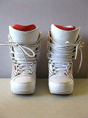 THIRTYTWO WOMENS LASHED SNOWBOARD BOOTS -- SIZE 7-- WHITE & RED -- LACE BOOTS
