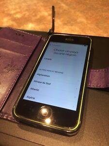 iPhone 5c 8gb impeccable