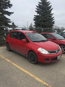 2009 Nissan Versa SL SAFETIED until NOV2017