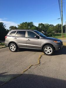 2010 Santa Fe limited **financing available **