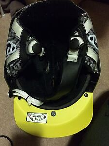 Salomon Helmet Size Medium Kingston Kingston Area image 4