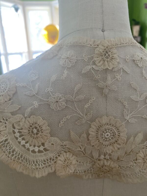 Antique Raised Work Floral French Brussels Lace Ornate Large Bertha Shawl Collar
