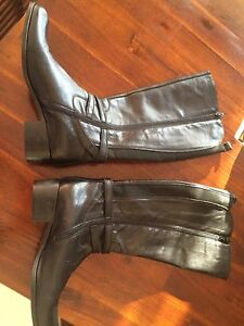 Milana ladies Italian leather boots Morayfield Caboolture Area Preview