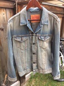 Levi's denim trucker jacket Large
