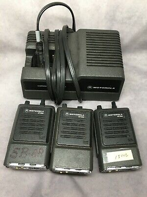 Lot Of 3 Motorola Mt1000 Handie Talkie Radio With 1 Pcs Battery Charger 3