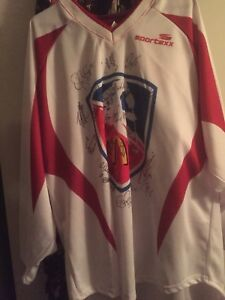HOCKEY 2005 MCDONALDS LOCK OUT SIGNED JERSEY(40+SIGNATURES
