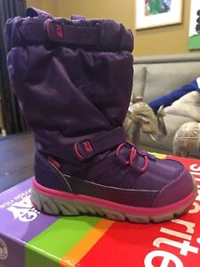 New Toddler 7 Stride rite winter boots.