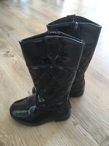 Toddler boots size 6