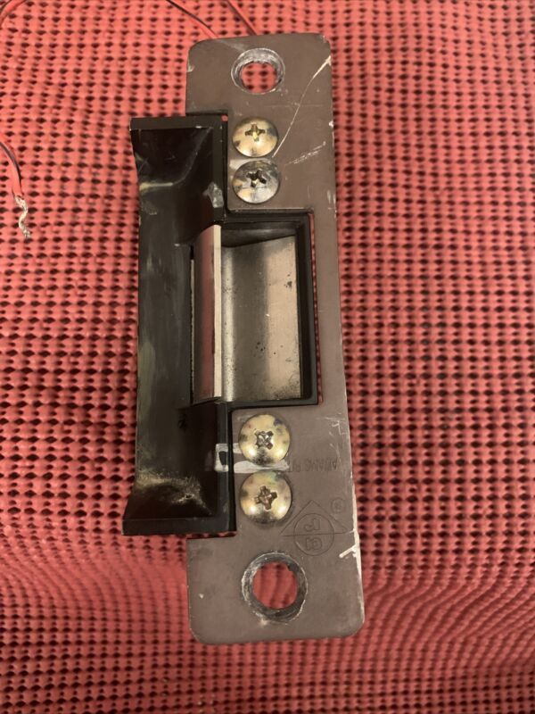 ADAMS RITE 7100-540 Electric Strike 24 DC