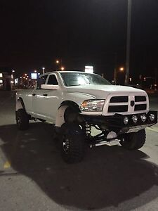 2010 Dodge 2500 lifted BAD ASS MUST SEE