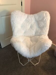 White Furry Foldable Chair
