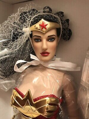 """Tonner DC Stars Collection WONDER WOMAN 17"""" Limited Edition -"""