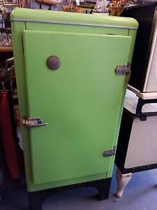 Ice Chest - Austral Ice upright lime green Taree Greater Taree Area Preview