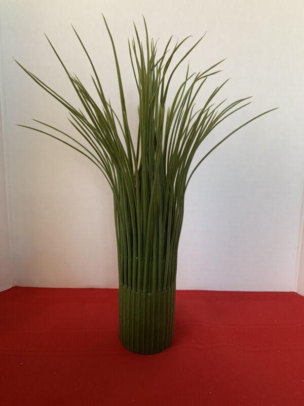 Home Interiors Green Grass Flower Vase