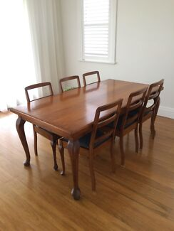 Antique Vintage Queen Anne Dining Table And Chairs