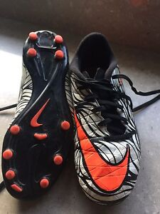 Nike soccer boots size 5 Londonderry Penrith Area Preview