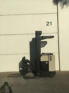 Crown Forklift 6100mm lift $3,000.00 plus GST Smeaton Grange Camden Area Preview
