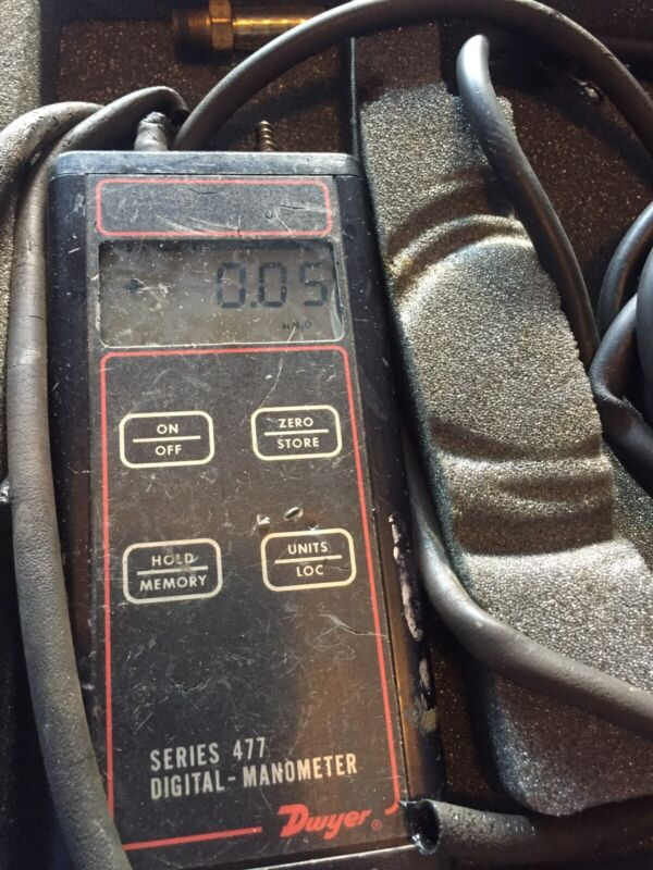 Dwyer Series 477 Digital - Manometer Handheld!  Comes With Case And More!