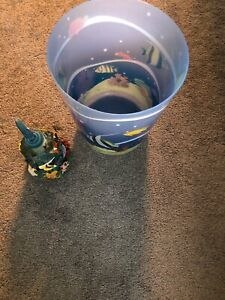 Garbage can & soap dish,