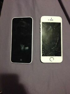 2 iPhone 5's Just Need New Screens! *UNLOCKED*