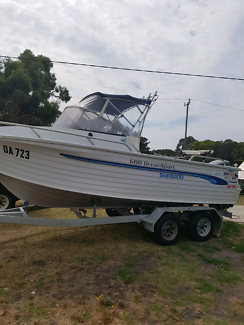 Quintrex 600 ocen sport fishing boat