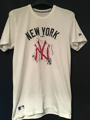 New York Yankees New Era Men's Baseball T-Shirt (MEDIUM)