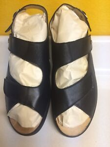 SANDALS >>FINN COMFORT<< Lady's leather sandals (new)   reduced